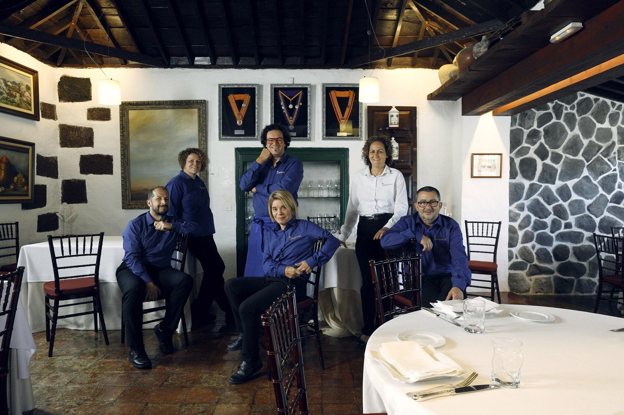 Equipo de El Drago con Priscila y Carlos Gamonal © Jordi Verdés Padrón